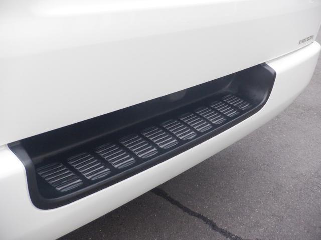 ワンオーナー/SD地デジナビ/バックモニター/ETC/モデリスタフロントスポイラー/GR8オリジナルベッドキット/スマートキー&エンジンプッシュスタート/LEDヘッドライト/MX16inアルミ