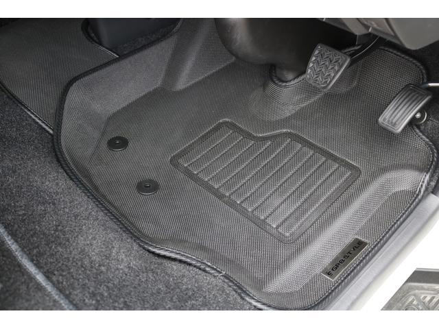 ロングスーパーGL フルエアロ/ローダウン/SD地デジナビ/Bカメラ/スマートキー&エンジンプッシュスタート/ウインカーミラー/オーバーフェンダー/ベッドキット/レザー調シートカバー/AC100V電源/キャンピングカー(72枚目)