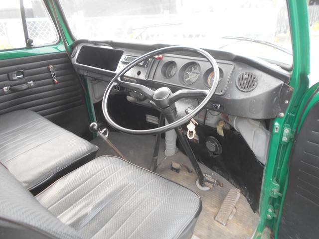 1971年モデル 右ハンドル 5ナンバー 乗用車登録 サードシート 1600エンジン シングルキャブ フロントディスクブレーキ  ホイールトリムリング(7枚目)