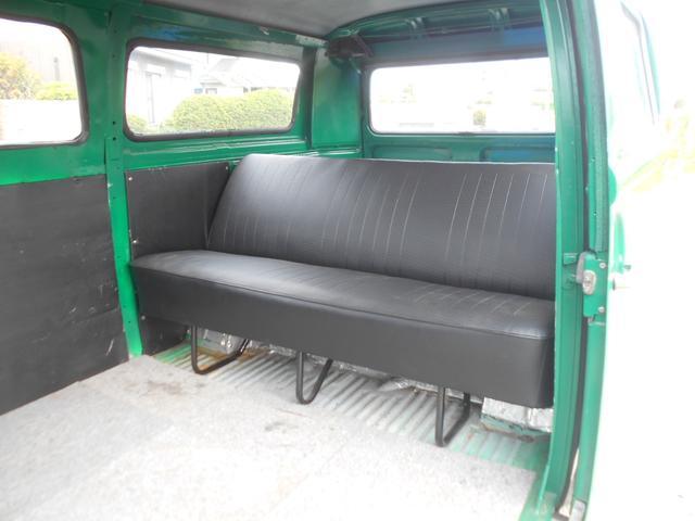 1971年モデル 右ハンドル 5ナンバー 乗用車登録 サードシート 1600エンジン シングルキャブ フロントディスクブレーキ  ホイールトリムリング(15枚目)