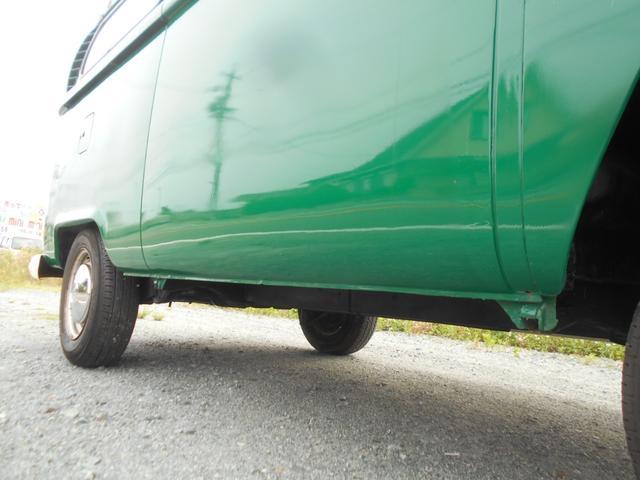 1971年モデル 右ハンドル 5ナンバー 乗用車登録 サードシート 1600エンジン シングルキャブ フロントディスクブレーキ  ホイールトリムリング(25枚目)