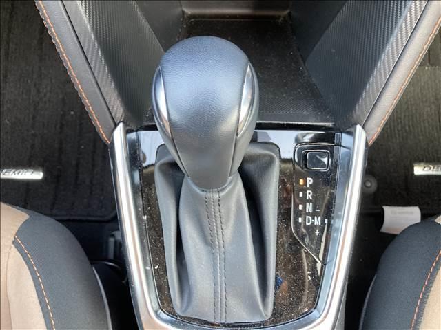 13Sテーラードブラウン マツダコネクトナビ バックカメラ シートヒーター LEDヘッドライト スマートキー プッシュエンジンスタート ドライブレコーダー ETC アイドリングストップ 横滑り抑制装置 純正アルミホイール(10枚目)