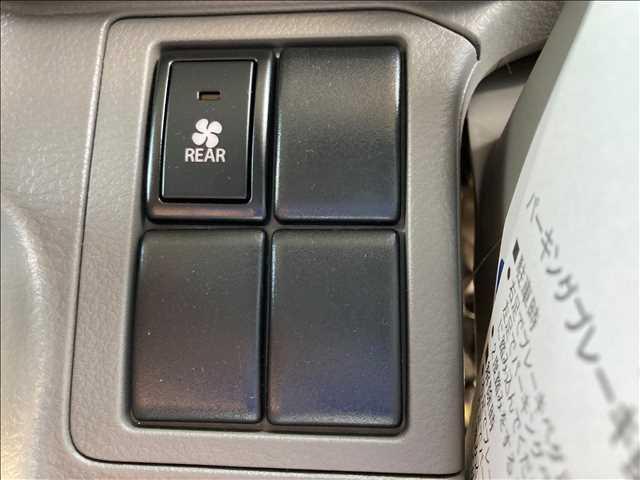 GXターボ 衝突軽減ブレーキ ハイルーフ キーレス ターボ パワーステアリング パワーウインドウ ダイヤル式エアコン Wエアバック 横滑り抑制装置 オートライト 純正CDプレイヤー クリアランスソナー 純正タイヤ(9枚目)