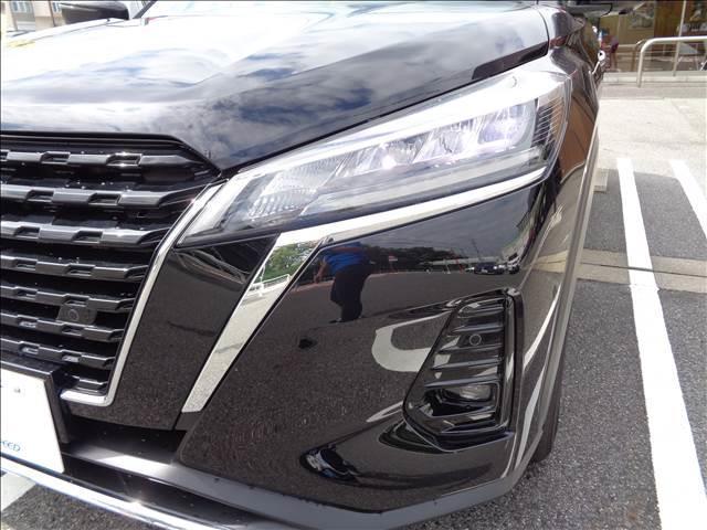 X ツートーンインテリアエディション プロパイロット アラウンドビューモニター エマージェンシーブレーキ 本革シート デジタルインナーミラー 革巻きステアリング 純正アルミホイール LEDヘッドライト シートヒーター ステアリングヒーター(20枚目)