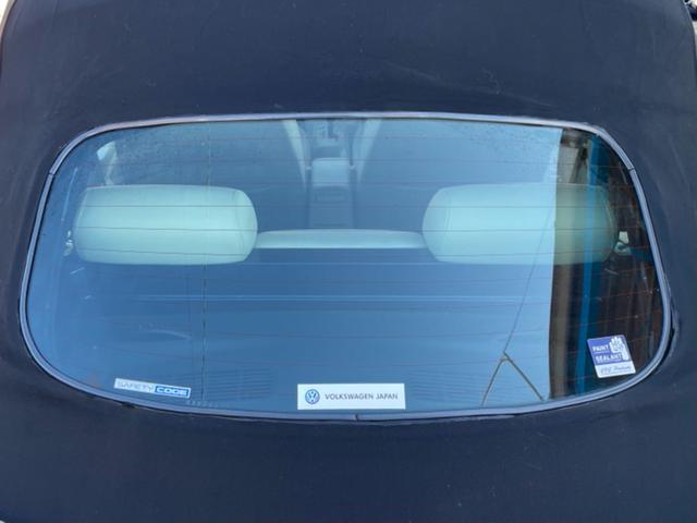 ニュービートル特有の劣化によるべたつきはダッシュボードカバーなどで対策もできます。