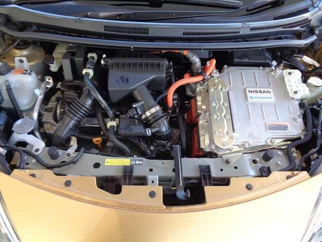"""e-パワー X 1.2 e-POWER X 被害軽減ブレーキ メモリーナビ e-POWERは""""エンジンで発電して、モーターだけで走る""""その力強い加速性能、静かさ、燃費、運転感覚すべてに未体験の感動を呼び起こす。(18枚目)"""