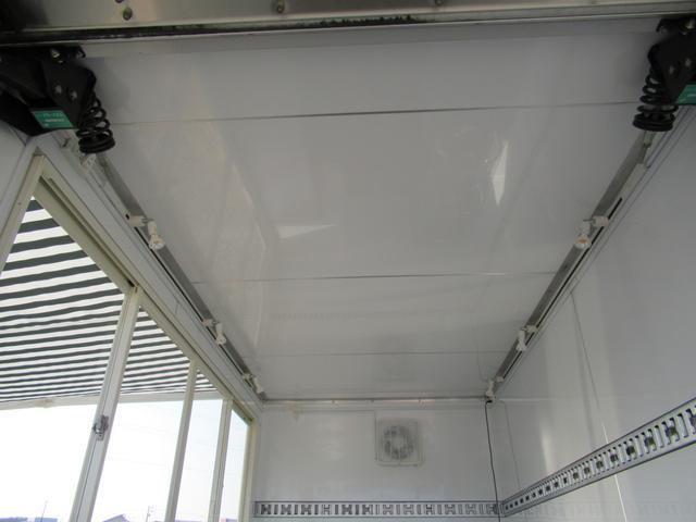 キッチンカー 移動販売車 ケータリングカー AT オーニング付き 3槽シンク コールドテーブル ステンレス作業台 換気扇 LED照明 バックモニター 100V外部電源 給排水タンク 庫内設備新品(35枚目)
