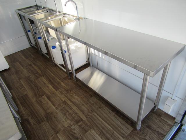 キッチンカー 移動販売車 ケータリングカー AT オーニング付き 3槽シンク コールドテーブル ステンレス作業台 換気扇 LED照明 バックモニター 100V外部電源 給排水タンク 庫内設備新品(50枚目)