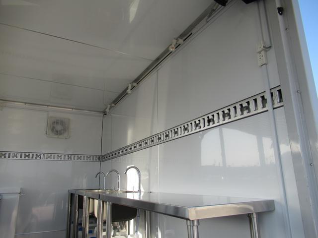 キッチンカー 移動販売車 ケータリングカー AT オーニング付き 3槽シンク コールドテーブル ステンレス作業台 換気扇 LED照明 バックモニター 100V外部電源 給排水タンク 庫内設備新品(52枚目)