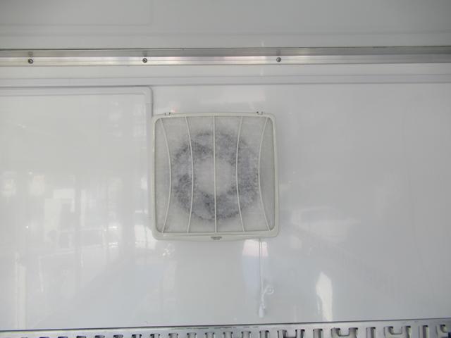 キッチンカー 移動販売車 ケータリングカー AT オーニング付き 3槽シンク コールドテーブル ステンレス作業台 換気扇 LED照明 バックモニター 100V外部電源 給排水タンク 庫内設備新品(54枚目)