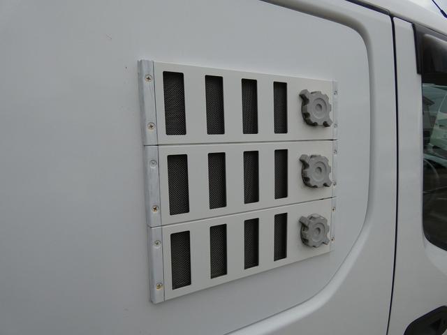 移動事務室車 事務室車8ナンバー登録 ウィンドウエアコン トリプルサブバッテリー バッテリー充電機 インバーター SDナビ ETCユニット インテリジェントキー ドライブレコーダー(14枚目)