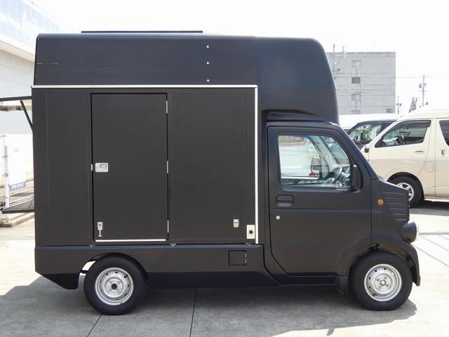 移動販売車 キッチンカー 4ナンバー登録 ホシザキ製コールドテーブル インバーター ライティングレール LED室内照明 アクリルウィンドウ 跳ね上げ式販売口 販売カウンター 外部電源 コンセント(44枚目)