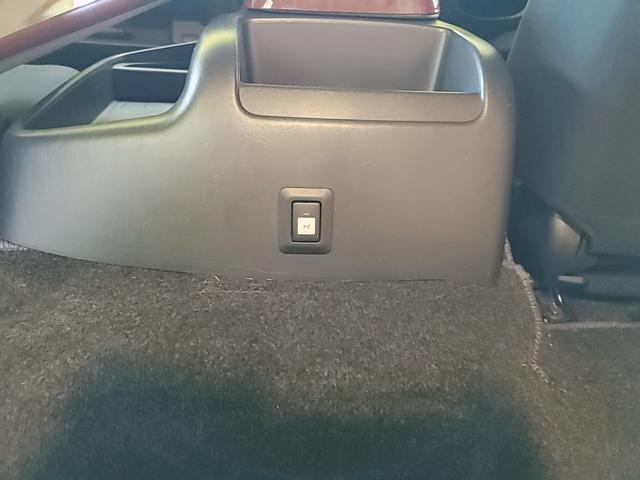 SロングワイドDX GLパッケージ キャンピングカー 9人乗り サブバッテリー 走行充電 コンバーター インバーター ナビ フルセグ バックカメラ フリップダウンモニター ETC パワースライドドア シンク 冷蔵庫(31枚目)
