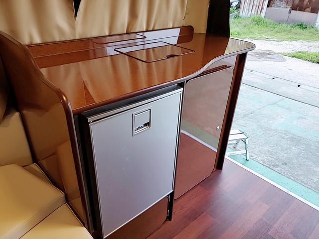 SロングワイドDX GLパッケージ キャンピングカー 9人乗り サブバッテリー 走行充電 コンバーター インバーター ナビ フルセグ バックカメラ フリップダウンモニター ETC パワースライドドア シンク 冷蔵庫(34枚目)