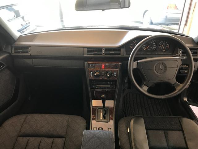 E320 W124 ガレージ保管 レストア 取説あり 木目調(17枚目)