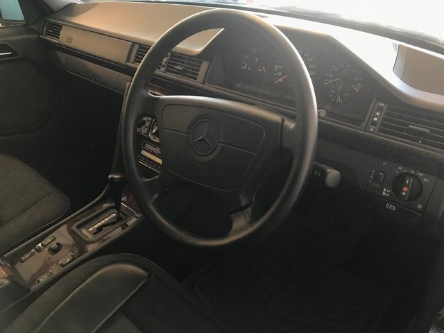 E320 W124 ガレージ保管 レストア 取説あり 木目調(18枚目)