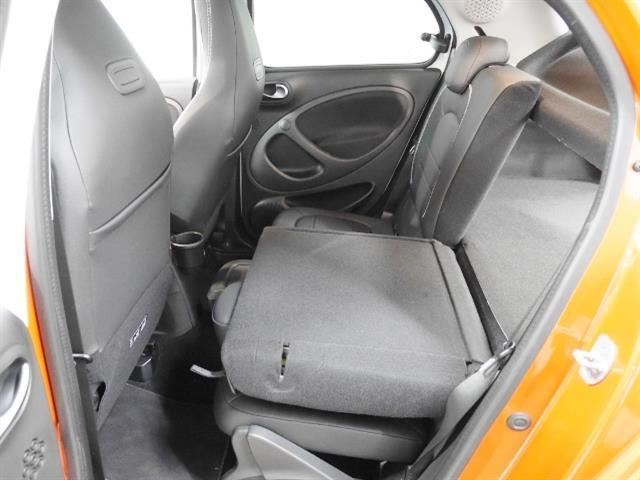 スマート スマートフォーフォー ブラバス エクスクルーシブ 1年保証 新車保証