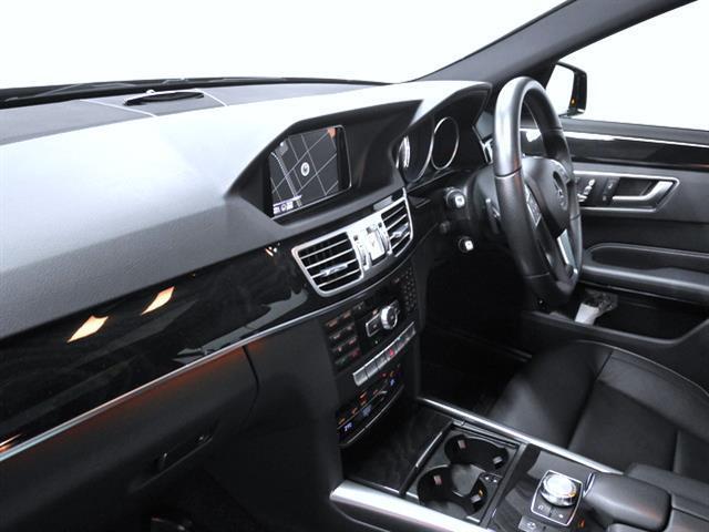 E300ステーションワゴン アバンギャルド AMGスポーツP(4枚目)
