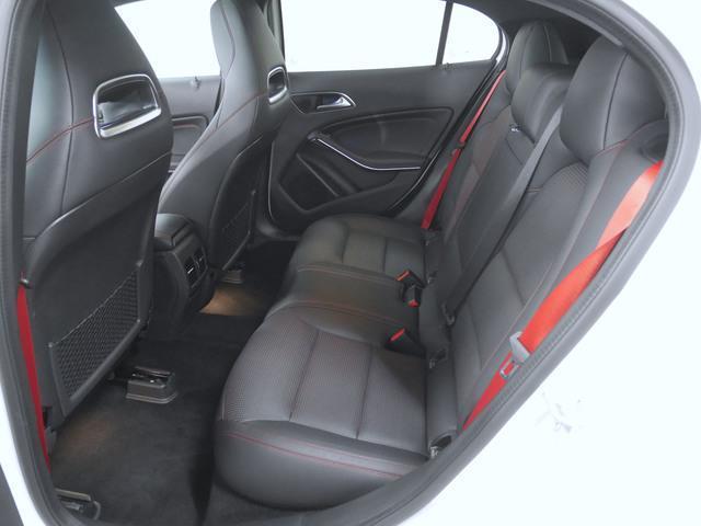 GLA45 4マチック 4年保証 新車保証(8枚目)