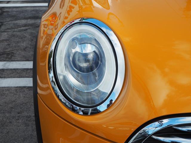 曇りのないクリアーなレンズに明るいLED装備のヘッドライト!