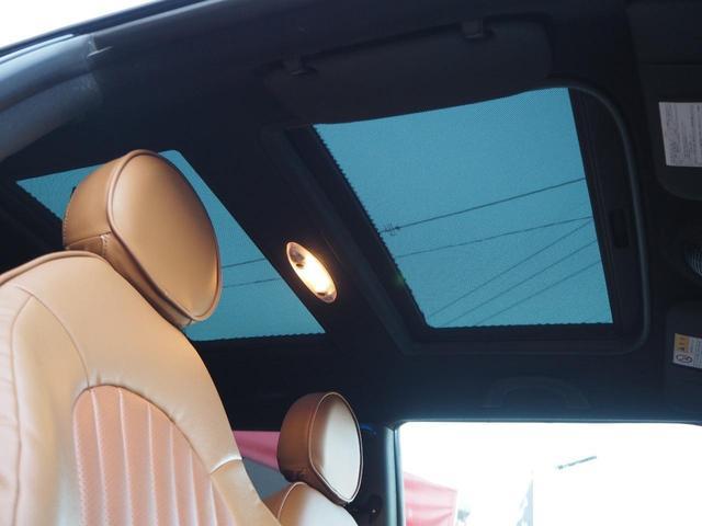 革のシートカバーがオシャレなキレイなシートです!