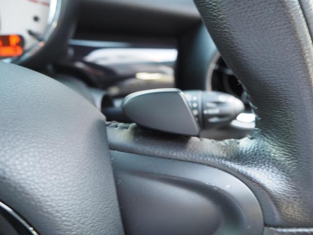 天井はガラスルーフ!車内は光をたくさん取り込んでとても明るいです!