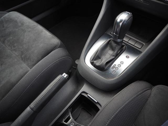 TSIコンフォートラインプレミアムエディション 特別仕様車 社外ナビTV バックカメラ アルカンターラコンビシート デュアルオートエアコン レインセンサーワイパー ルーフレール Bluetooth 純正16インチAW バイキセノン キーレス ETC(14枚目)