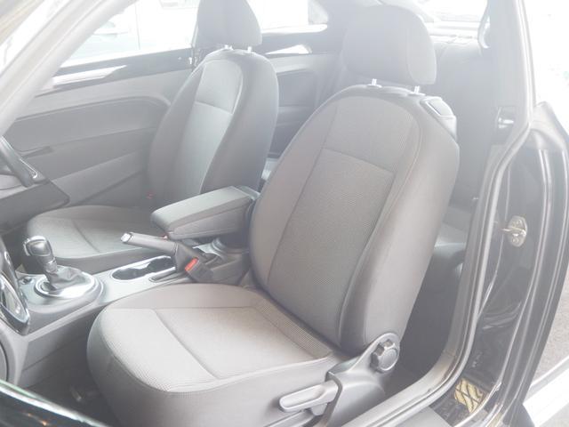 助手席も綺麗な状態で、同乗者も快適なドライブを!