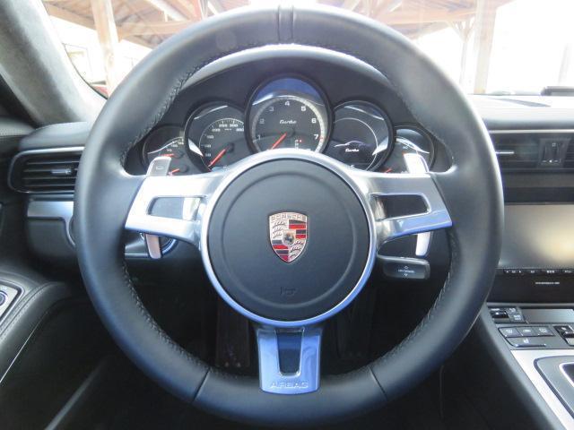 911ターボ 991 Turbo 3.8 PDK レザーインテリア ダイナミックライトシステム PASM パワーステアリングプラス 電動格納ミラー パワーシート シートヒーター 純正20インチAW(18枚目)