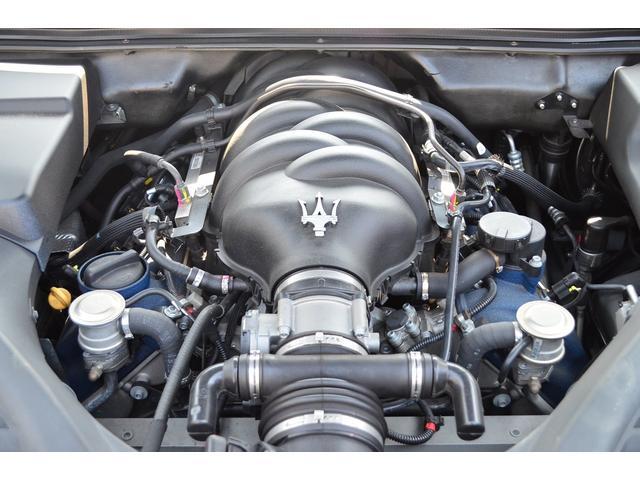 マセラティ マセラティ クアトロポルテ ベースグレード 正規ディーラー車