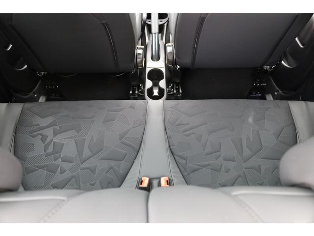 スコルピオーネオーロ 新車並行 5MT LHD 正規未導入カラー AplleCarPlay Beats480Wサウンドシステム 国内未登録(27枚目)