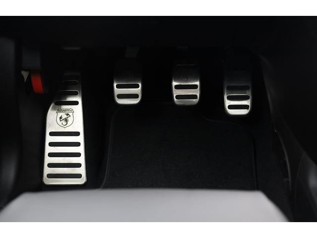 スコルピオーネオーロ 新車並行 5MT LHD 正規未導入カラー AplleCarPlay Beats480Wサウンドシステム 国内未登録(46枚目)