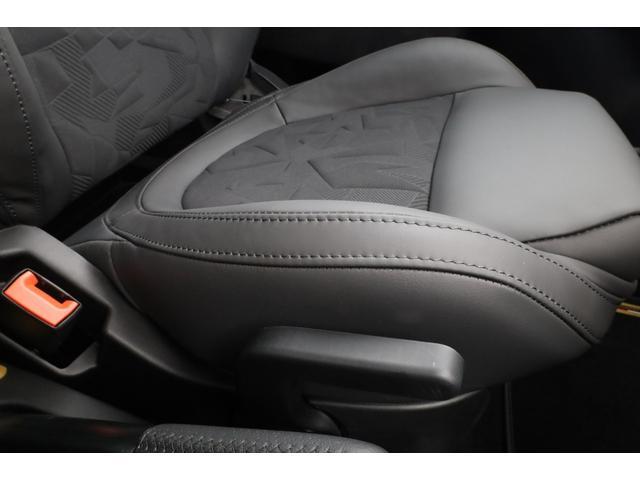 スコルピオーネオーロ 新車並行 5MT LHD 正規未導入カラー AplleCarPlay Beats480Wサウンドシステム 国内未登録(52枚目)