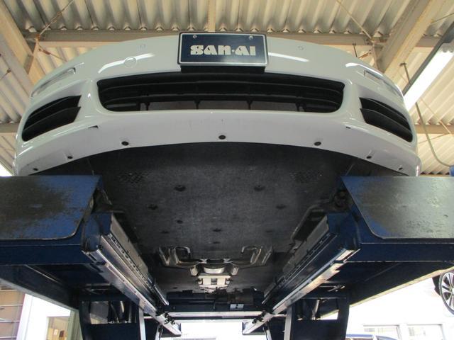 ベースグレード 2014年モデル 屋内ガレージ保管車(3枚目)