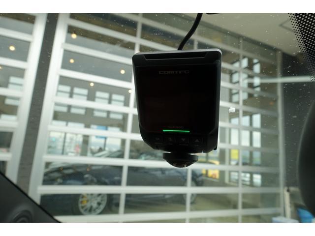 コンペティツィオーネ MTA 70th Anniversrサイドエンブレム 新車保証令和5年6月まで レーダー探知機 ドライブレコーダー Apple car play カーボンシート カーボンステアリング(18枚目)