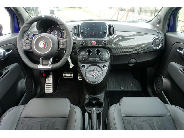 スコルピオーネオーロ 日本未導入カーボンパッケージ&ボディーカラー装着 Apple car play オートライトオートワイパー 自社本国オーダー車両(18枚目)