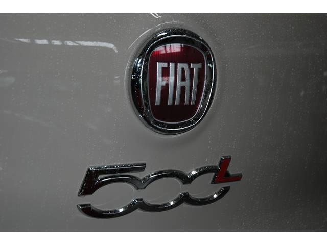 フィアット フィアット 500 L リビングラウンジ 新車並行車 左ハンドル