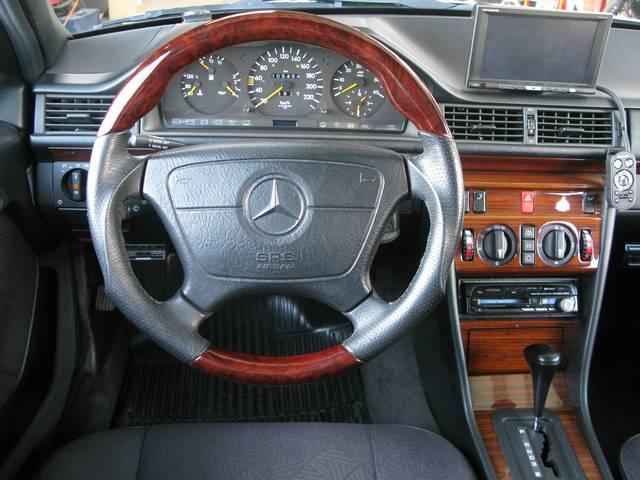 メルセデス・ベンツ M・ベンツ 300Dターボ ディーゼル D車 左ハンドル