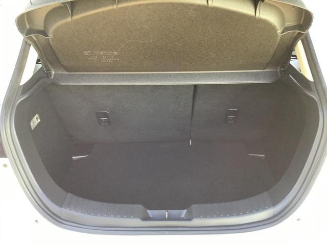 XDブラックレザーリミテッド 衝突軽減ブレーキ/マツダコネクトナビ(フルセグ/ブルートゥース/CDDVDUSB)ETC/シートヒーター/ヘッドアップディスプレイ/クルーズコントロール/オートライト/フォグ/レザーシート/LED(22枚目)