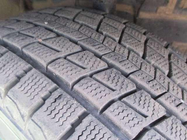 冬タイヤ溝残量
