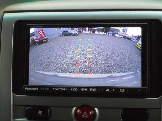 バックカメラで駐車をアシスト☆