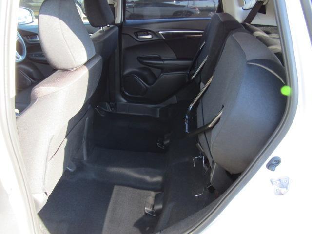 ホンダ フィット 13G・Fパッケージ 4WD