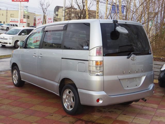 トヨタ ヴォクシー X Gエディション 4WD HID キーレス