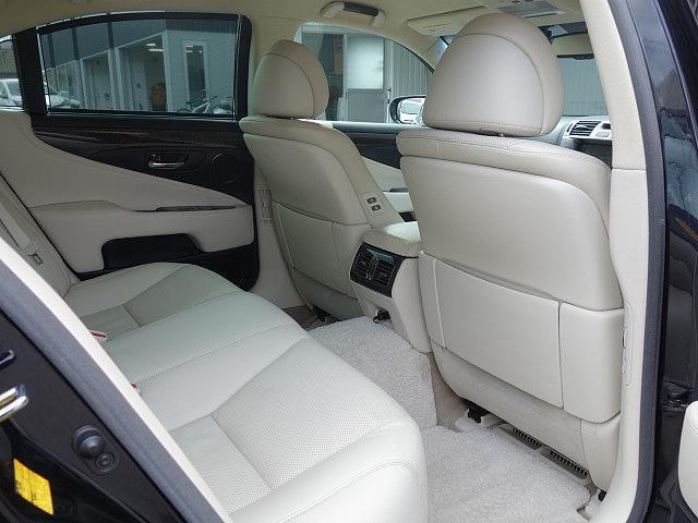 レクサス LS LS600h バージョンS Iパッケージ 4WD 本革シート