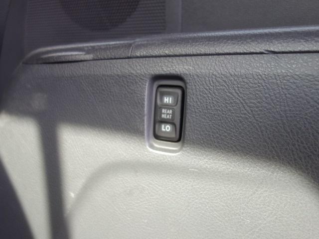 プラタナ 4WD メモリーナビ パワースライドドア(14枚目)