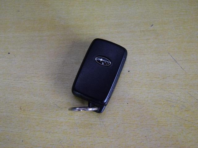 2.0i-Sアイサイト 4WD 1年保証 本州仕入 夏冬タイヤ付 プッシュスタート パドルシフト SDナビ フルセグTV DVD再生 Bluetooth対応 ETC バックカメラ ハーフレザー HID 社外AW(62枚目)