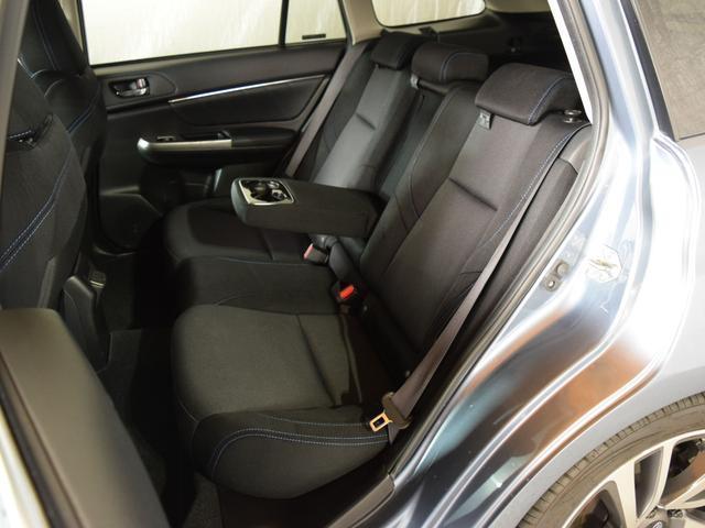1.6GT-Sアイサイト 4WD 1年保証 夏冬タイヤ付 プッシュスタート パドルシフト フルセグTV SDナビ DVD再生 バックカメラ ETC Bluetooth対応 HID LEDアクセサリーライナー エンジンスターター(12枚目)
