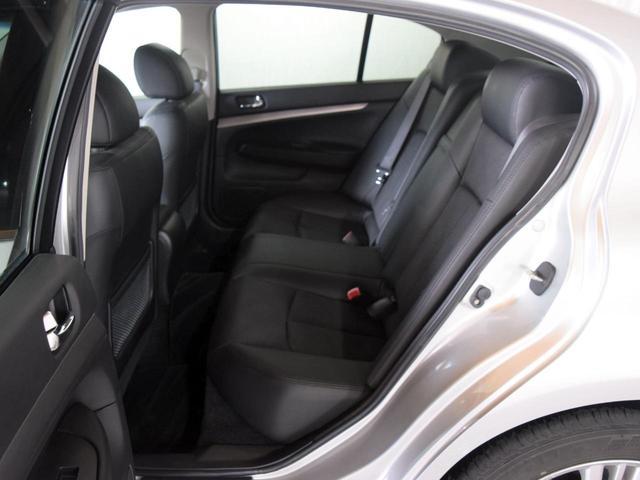 250GT FOUR 4WD 1年保証 夏冬タイヤ付 プッシュスタート フルセグTV HDDナビ DVD再生 Bluetooth対応 ミュージックサーバー ETC サイドバックカメラ HID エンジンスターター(58枚目)