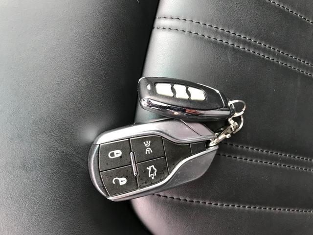 Q4 4WD 黒革 可変バルブ サンルーフ(8枚目)
