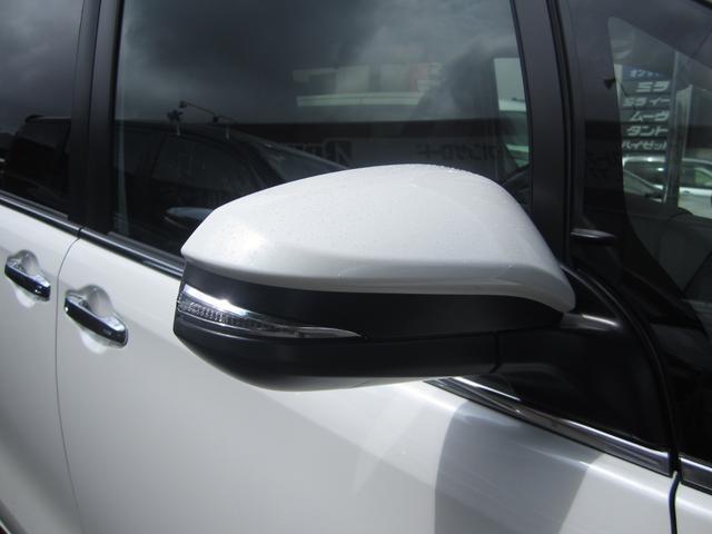 Gi プレミアムパッケージ ブラックテーラード 4WD 寒冷地仕様 トヨタセーフティセンス 両側パワースライドドア ステアリングヒーター シートヒーター クリアランスソナー 7人乗り 登録済未使用車(7枚目)